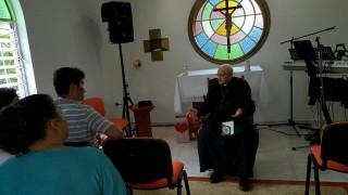 Un sucesor de los apóstoles, acompañándonos en nuestra IX Escuela de Misioneros